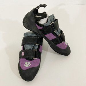 Evolv Trax Rubber Climbing Shoes Kids Size 5T Purple Hook and Loop Closure